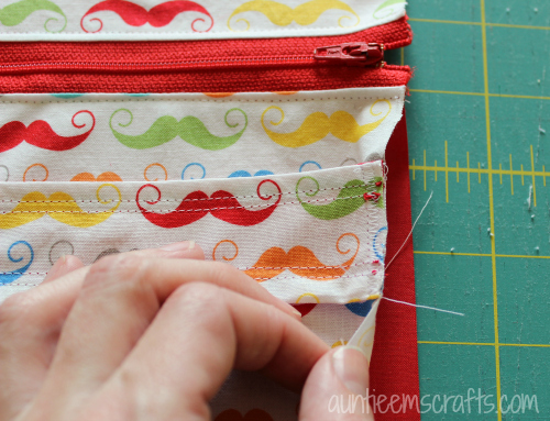 DIY Wet Bag by AuntieEmsCrafts.com. These are great for inside your diaper bag!