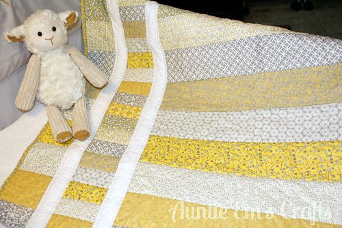 Quilt and mug rug Ideas for yellow and gray fabric | AuntieEmCrafts.com