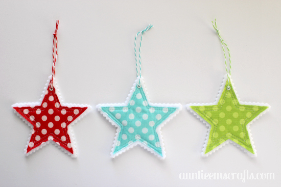 Star ornaments made with fabric and felt by AuntieEmsCrafts.com. So cute!