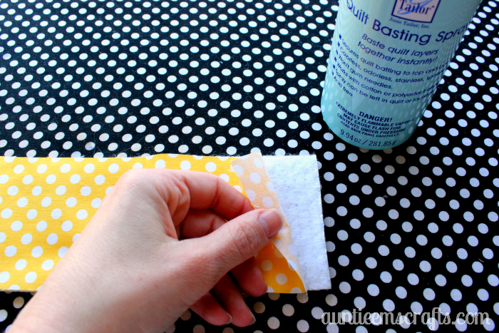 Protect your hands by adding insulated handles to your new Pyrex dishes! Tutorial by AuntieEmsCrafts.com