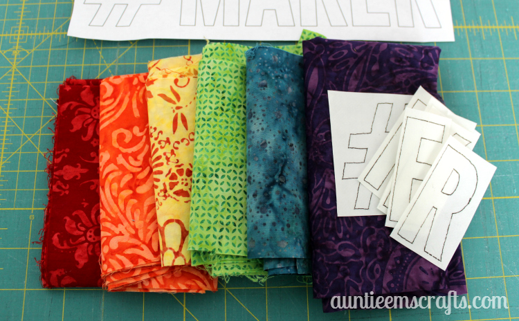 #MAKER wall hanging/mini quilt/mug rug tutorial | AuntieEmsCrafts.com