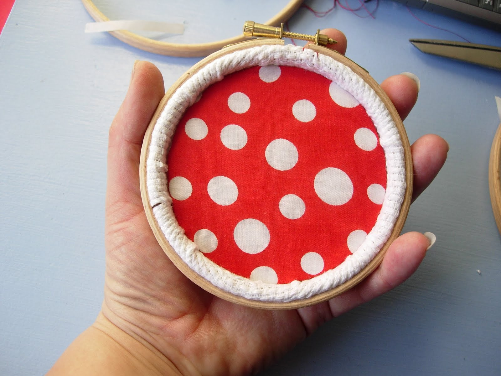 How to frame your embroidery in a hoop, Copyright 2010 Maximum Rabbit Designs